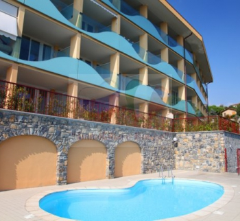 Apartments in einer Residenz mit Pool in Bordighera