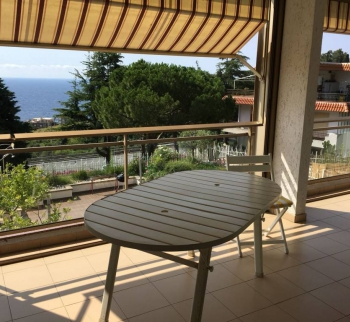 Apartment in San Remo mit Pool und Meerblick