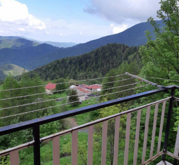 Apartment in Mendatik mit Bergblick